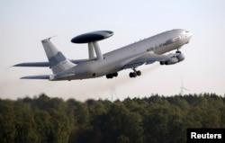 Самолет ЕАТО, оснащенный системой АВАКС