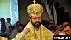 У проповіді Святослав (Шевчук) закликав політиків утриматися від рішень, які можуть створити соціальну напругу, а також від спокуси використати карантин для переслідування політичних опонентів