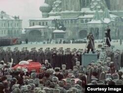 Кадр з фільму Сяргея Лазьніцы
