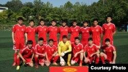 Кыргызстандан Кореяда жети футбол командасы бар.