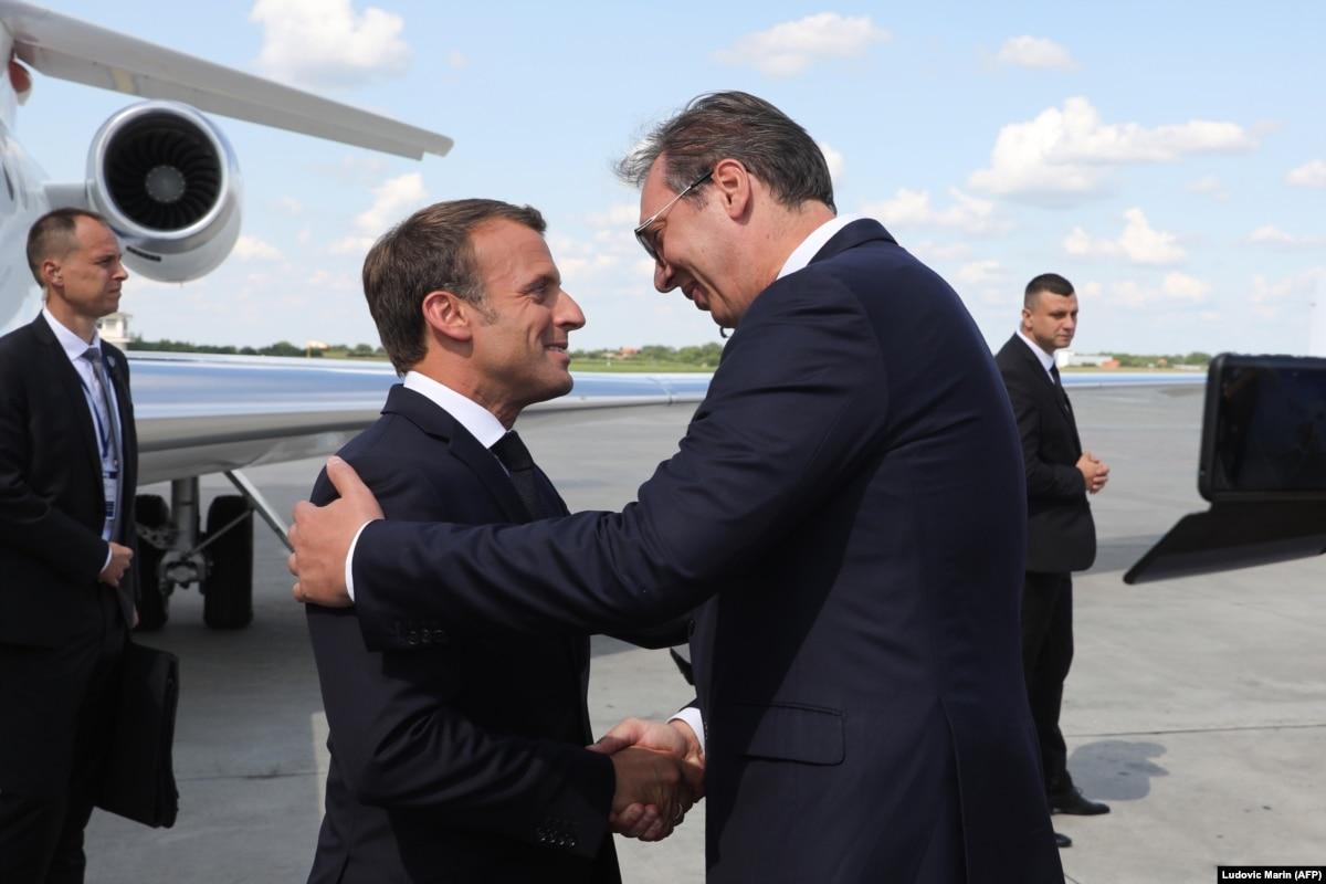 Президент Франции начал двухдневный визит в Сербию