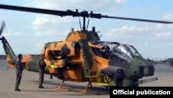Թուրքական արտադրության AH-1W Super Cobra մարտական ուղղաթիռը ադրբեջանական զինավարժարանում, արխիվ