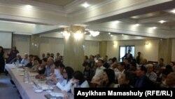 Общественные слушания на тему реформы в сфере образования. Алматы, 28 июня 2016 года.
