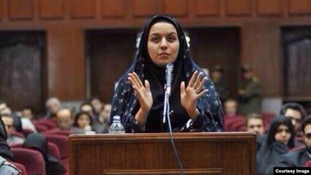 ریحانه جباری در دادگاه