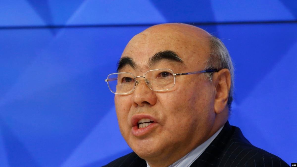 Скандалом закончилась встреча экс-президента Кыргызстана Акаева с земляками в Германии