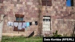 Дом в заброшенном грузинском селе. Иллюстративное фото. 13 мая 2016 года.