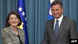 Претседателката на Косово, Атифете Јахјага и словенечкиот претседател Борут Пахор.