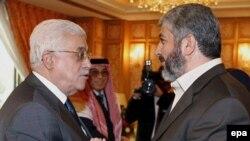 Глава Палестинской автономии Махмуд Аббас и лидер ХАМАСа Халед Машааль