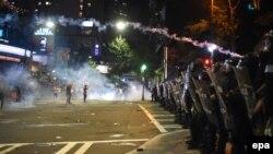 ԱՄՆ - Ոստիկանությունը արցունքաբեր գազ է կիրառում ցուցարարների նկատմամբ, Շառլոտ, 21-ը սեպտեմբերի, 2016թ․