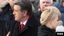 Ukrainian President Viktor Yushchenko (left) and Prime Minister Yulia Tymoshenko in Kyiv in late January.