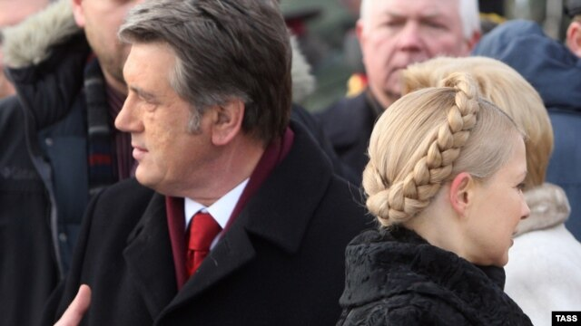 Ukrainian President Viktor Yushchenko (left) and Prime Minister Yulia Tymoshenko in Kyiv in late January.