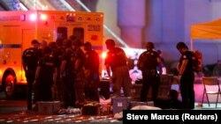 Тіло загиблої через стрілянину у Лас-Вегасі людини, США, 1 жовтня 2017 року