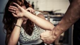 От домашнего насилия страдают тысячи женщин и детей по всему миру