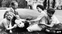 Принц Філіп, герцог Единбурзький, із дружиною королевою Єлизаветою Другою, 1960 рік