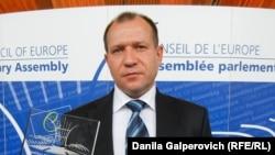 """Председатель общественной организации """"Комитет против пыток"""" Игорь Каляпин"""