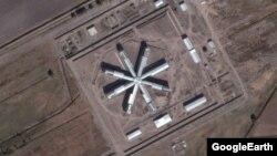 Тошкент вилояти Зангиота туманида қурилаëтган янги қамоқхона, Google Earth.