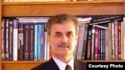 الدكتور نجم الدين كريم