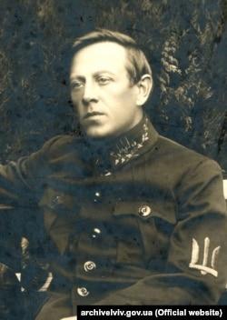 Симон Петлюра, головний отаман армії УНР (з листопада 1918 року), голова Директорії УНР (9 травня 1919 – 10 листопада 1920)