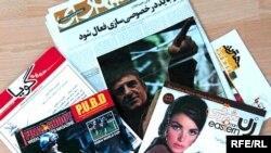 در دبی بيش از ۱۰ نشريه ايرانی منتشر می شود، که هيچکدام از اين نشريه ها حق پرداختن به مسائل سياسی را ندارند و فقط می توانند در زمينه های تبليغاتی فعاليت کنند.