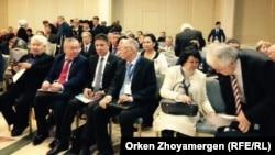 Участники конференции в Астане, посвященной Декабрьским событиям 1986 года. Астана, 25 октября 2016 года.