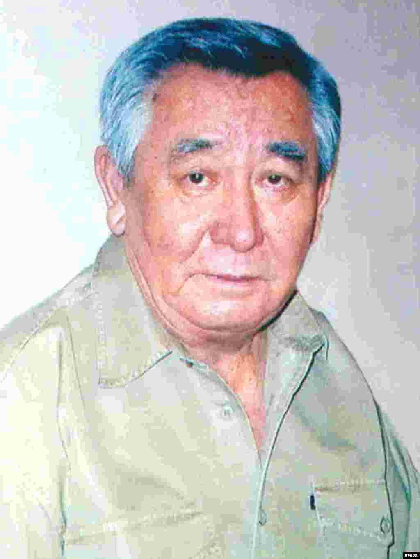 Каришал Асанов, Алматы, 2007 год. - Каришалу Асанову сегодня 74 года, здоровье уже не то, но дух его прежний: крепкий, непокорный, дерзкий.