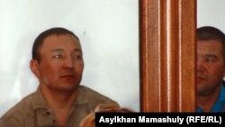 """Ержан Мамбетов, осужденный """"по делу о событиях на станции Шетпе"""" на пять лет. Актау, апрель 2012 года."""