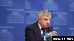 """Florin Iordache, unul dintre """"campionii"""" gesturilor obscene din Parlament"""