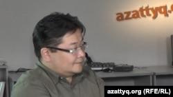 Политолог Айдос Сарым. Алматы, 9 апреля 2014 года.