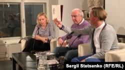 Андрій Любка (на фото праворуч) розповів Радіо Свобода про нову книжку, матюки та чи складно прожити письменнику в Україні