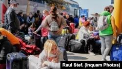 Sute de români au plecat la munca sezonieră în Germania, în perioada pandemiei