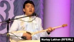 Қанат Мырзахан, айтыскер. Алматы, 8 мамыр 2013 жыл.