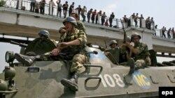 23 avqust 2008. Rusiya qoşunları Poti şəhərində