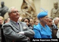 В сентябре 2011 года принц Хенрик и королева Маргрете присутствовали на открытии выставки датских художников в ГМИИ имени Пушкина в Москве