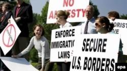 Вопросы нелегальной миграции волнуют американцев не меньше, чем международная политика