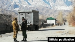 Кыргызско-таджикская граница.