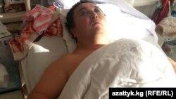 Адвокат Икрамидин Айткулов сабалгандан кийин. 15-ноябрь, 2013-жыл