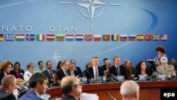НАТО-ға мүше елдер қорғаныс министрлерінің жиыны. Брюссель, 14 маусым 2016 жыл.