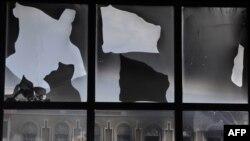 """Жалал-Абаддагы """"Эл достугу"""" университети тополоңдон кийин, 16-июнь."""