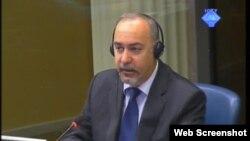 Richard Butler svjedoči na suđenju Radovanu Karadžiću, 23. travanj 2012.