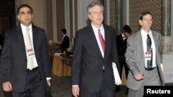 ویلیام برنز، معاون امور سیاسی وزیر امور خارجه آمریکا، در حال رفتن به محل مذاکرات ایران و گروه پنج به علاوه یک در استانبول
