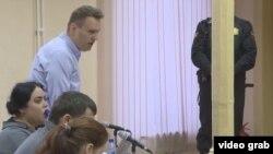 """Алексей Навальный на заседании суда по """"делу Кировлеса"""""""