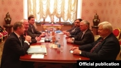 Russia/Armenia/Karabakh/OSCE - Edward Nalbandian (C from R), Armenian Foreign Minister, meets with the OSCE Minsk Group Co-Chairs, Moscow,14Nov,2017