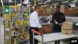 Barack Obama «Amazon» şirkətinin yığıb bağlama stansiyasında. 2013