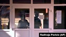 Medicinski radnici u školi u Banjaluci, ilustracija