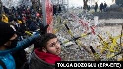 مهاجران غیرقانونی در مرز میان یونان و ترکیه