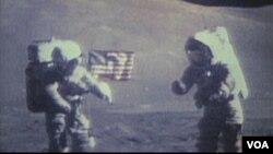 Астронавти Юджин Сернан і Гаррісон Шмітт під час місії «Аполлону-17», грудень 1972 року