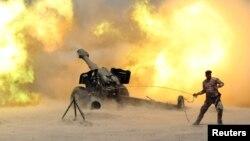 توپخانه ارتش عراق در نزدیکی فلوجه