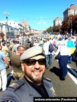 Андрій (Riffmaster) Антоненко на Марші захисників до 28-ї річниці Незалежності, 24 серпня 2019 року