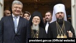 Президент Украины Петро Порошенко, Вселенский патриарх Варфоломей, митрополит ПЦУ Епифаний, Стамбул, 5 января 2019 г.