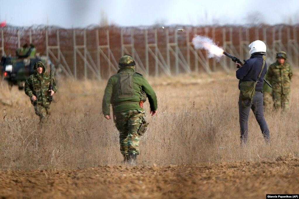 Грецька поліція 1 березня застосувала сльозогінний газ на грецько-турецькому кордоні неподалік грецького села Кастаніес
